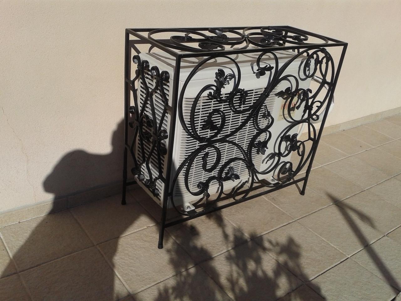 Inspirez vous de la grille en fer forg d 39 un client for Porte lanterne fer forge