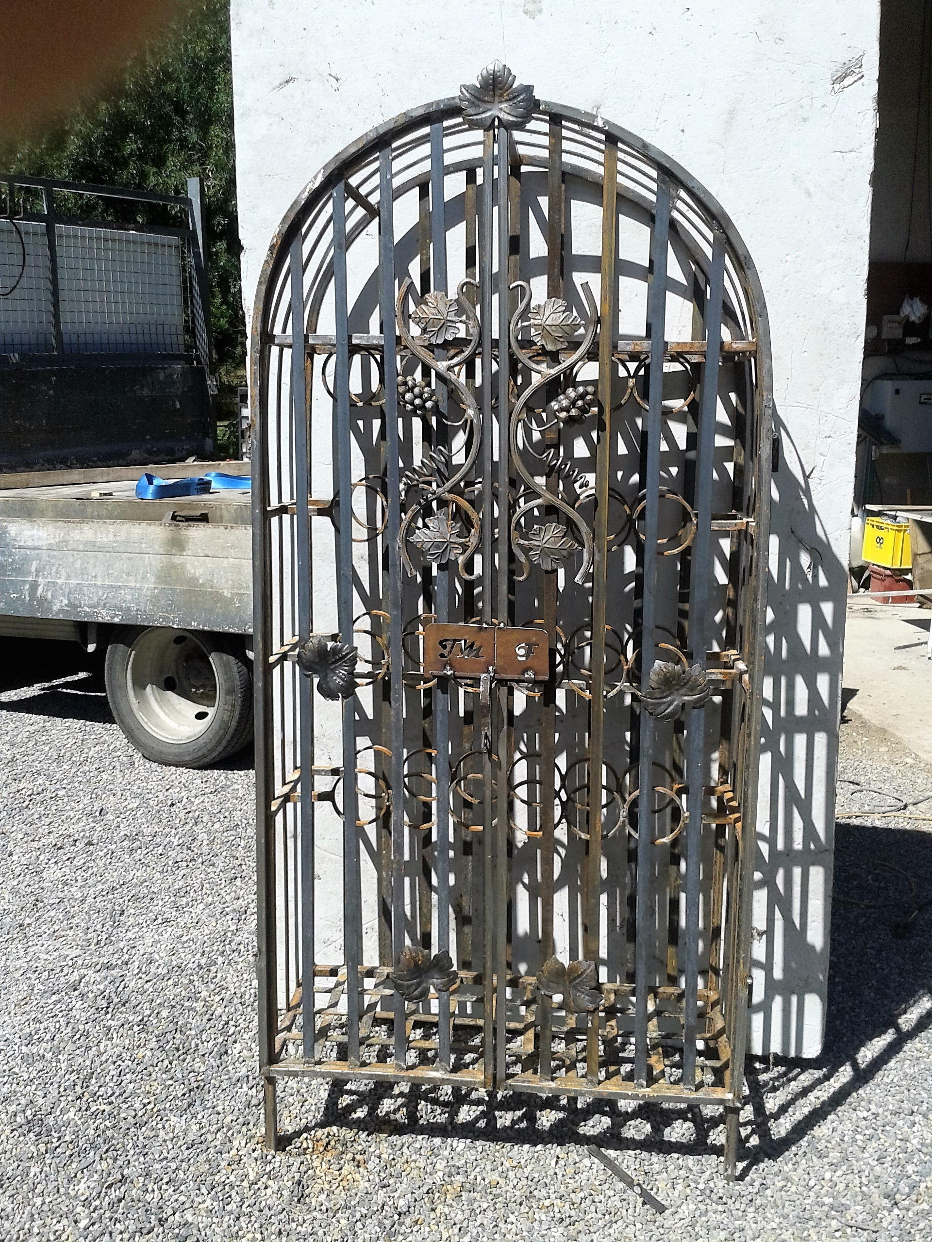 Inspirez vous de l 39 id e de d coration en fer forg d 39 un for Composition d une porte