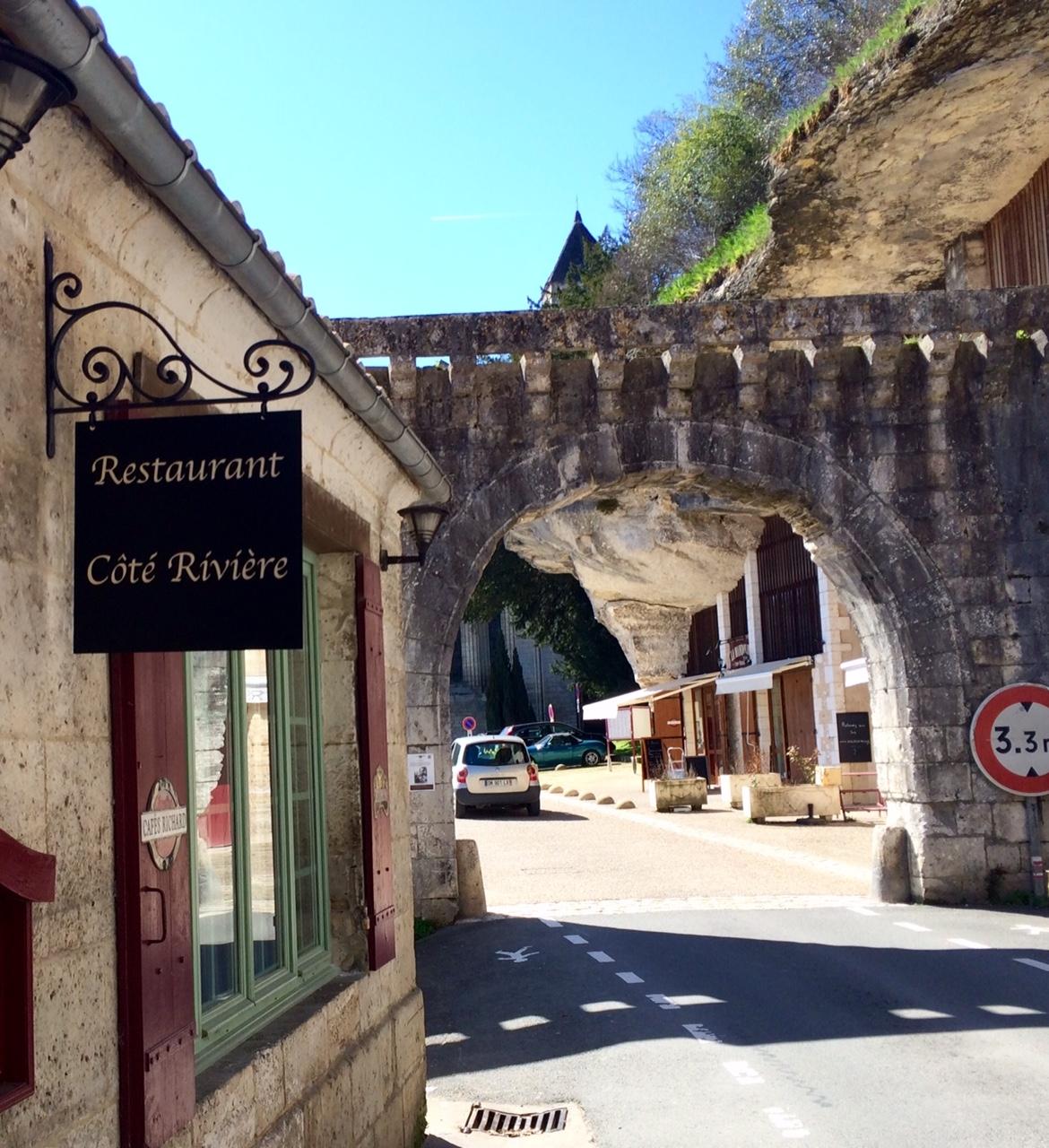 Création d'une enseigne à partir de notre porte enseigne fer forgé - Localisation Dordogne