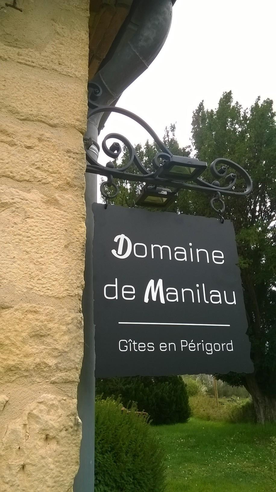 A la demande de notre client nous avons fabriqué sur enseigne personnalisée  . Localisation Dordogne