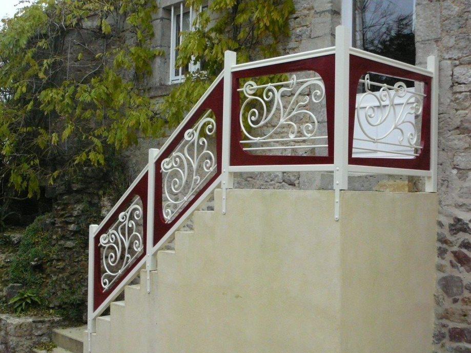 Inspirez vous de la rampe ou du garde corps en fer forg d for Rampe d escalier exterieur en fer forge