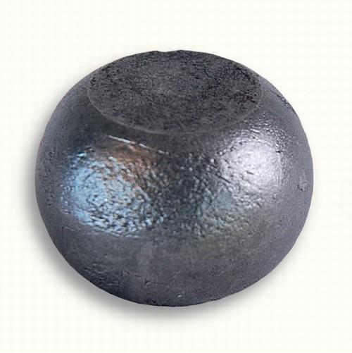 Boule pleine et méplate avec une largeur de 40mm et hauteur 26 mm .
