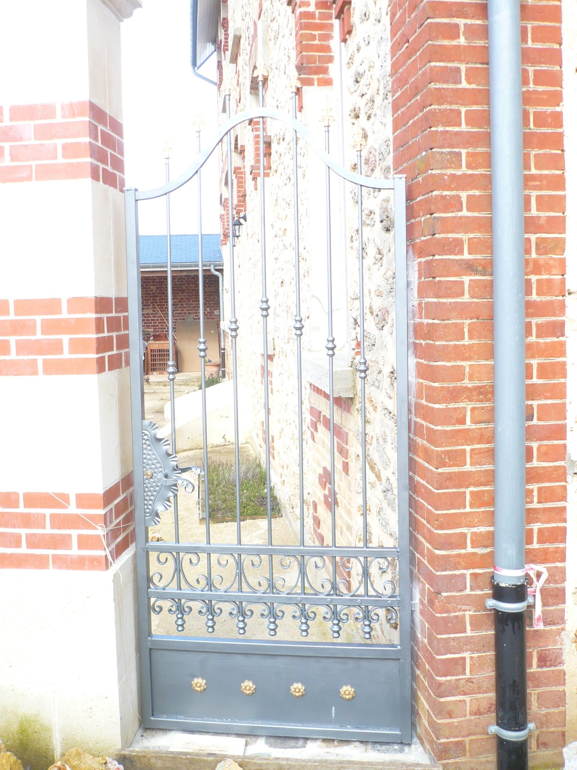 Poignée gauche pour porte ou portail 130X90