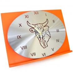 Pendule tète de taureau