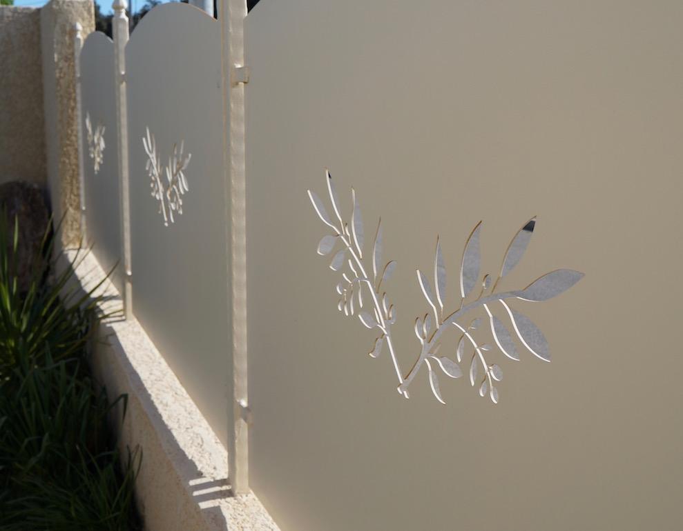 Detail du motif en branche d'olivier
